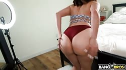 Ass parade Valentina Jewels - Shelter-in-pussy